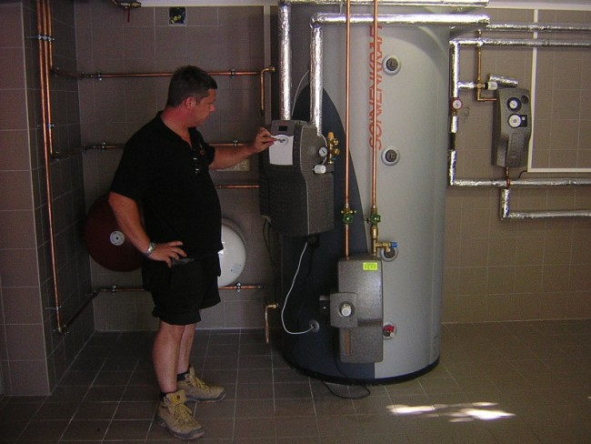 Buffer Store Heating Hot Water and Swimming Pool